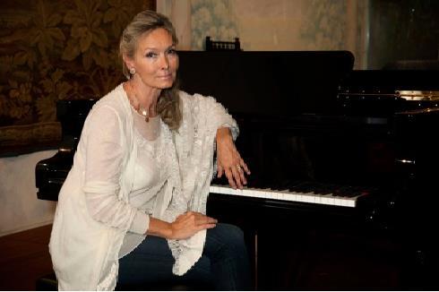 La pianista Elizabeth Sombart in concerto per i nostri ospiti