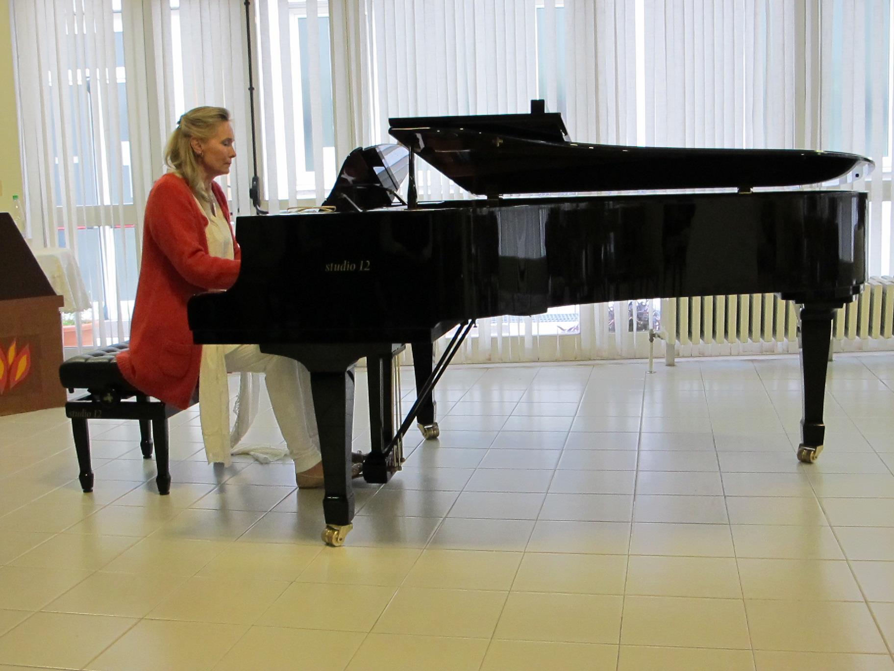 Concerto della pianista Madame Elizabeth Sombart,